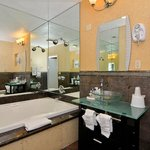 Photo de Americas Best Value Inn Westminster / Huntington Beach
