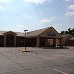 Baymont Inn & Suites Marshall-East End Blvd Foto