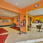 صورة فوتوغرافية لـ ‪Americas Best Value Inn & Suites, Sunbury‬