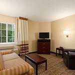 Hawthorn Suites by Wyndham Raleigh Foto