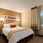 Hawthorn Suites by Wyndham Louisvilleの写真