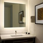Photo de Hawthorn Suites by Wyndham Chicago-Schaumburg