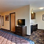 Photo of Econo Lodge Inn & Suites, Minot