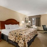 Baymont Inn & Suites Indianapolis North