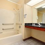 Photo de Baymont Inn & Suites Hickory