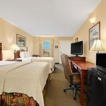 Baymont Inn & Suites Warner Robinsの写真