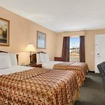 Photo de Baymont Inn & Suites Sanford