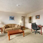 Photo de Days Inn & Suites Rhinelander