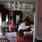 Aunt Daisy's Bed and Breakfast resmi