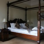 Four poster...nicer touch