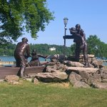 just across the street, a nice relaxing area to look at lower niagara river