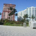 Foto The Alexander All-Suite Oceanfront Resort