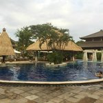 Rama Beach Resort and Villas resmi