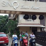 SinQ Beach Resort resmi