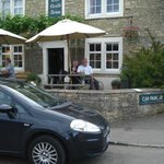 The Neeld Arms Inn resmi