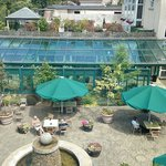 Ashdown Park Hotel Conference and Leisure Centre resmi