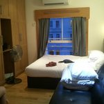 Hyde Park Suites Serviced Apartments resmi