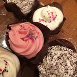 Oreo and cream, keylime and strawberry cupcakes. All freshly baked and yummy.