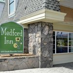 Medford Inn Sign