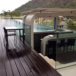 Infinity pool & bar. There is a swim up bar on the other side! Fabulous!