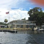 Homosassa Riverside Resort resmi