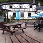 The Saracens Head Inn resmi