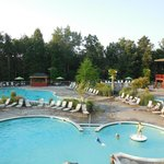 2 outdoor pools, 2 hot tubs, kid area