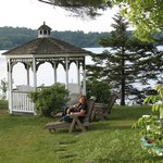 صورة فوتوغرافية لـ ‪The Lake House at Ferry Point Inn‬