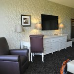 AmishView Inn & Suites