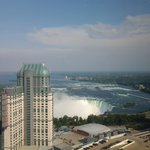 Photo de Hilton Hotel and Suites Niagara Falls / Fallsview