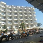 Photo de Asrin Beach Hotel