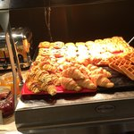 Crowne Plaza Hong Kong Kowloon East: Breakfast Buffet