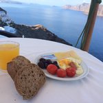 Breakfast on the cliff in the morning.