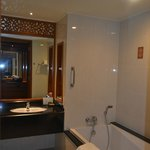The Imperial River House Resort resmi