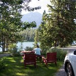 Patricia Lake Bungalows�