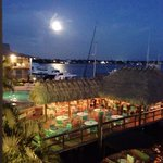 Cove Inn on Naples Bay resmi