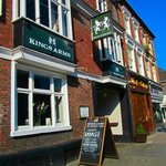 The Kings Arms resmi