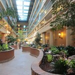 Photo de Embassy Suites Hotel Los Angeles International Airport South