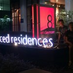 8 on Claymore Serviced Residences resmi