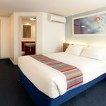 Photo de Travelodge Newquay Seafront Hotel