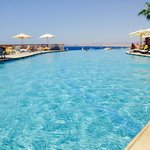 Reef Oasis Blue Bay Resort의 사진