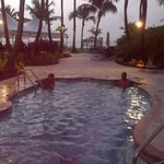 Foto van Courtyard by Marriott Isla Verde Beach Resort