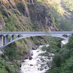 friendship bridge between tibet and Nepal