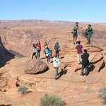 Crazy death-defying students at Horseshoe Bend