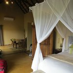 Elephant Plains Game Lodge resmi