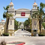 The entrance to the Riu Palace and Riu Sante Fe