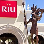 The front entrance to the Riu Palace