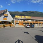 Foto van Glacier Park Motel and Campground