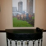 Decor features Amish farm life