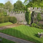 Thornbury Castle and Tudor Gardens Foto